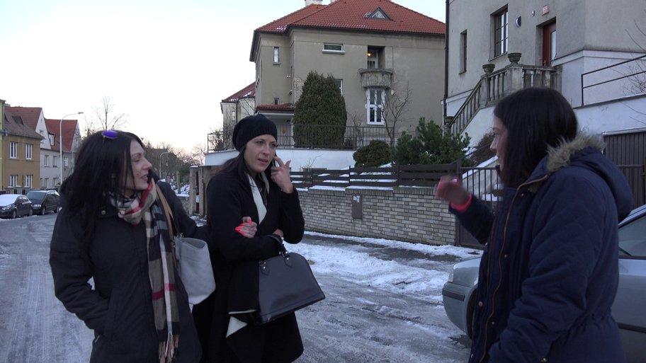 Czech Twins E06